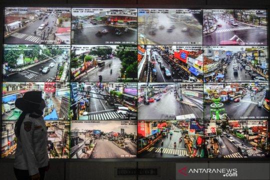 Pemantauan arus lalu lintas dengan CCTV