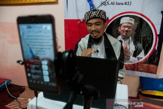 Pendakwah berikan ceramah ramadhan daring