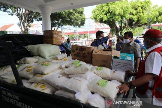 Petani Madiun sumbang 1,2 ton beras untuk warga terdampak COVID-19