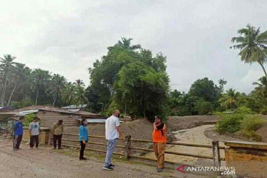 Anggota DPR asal Sulteng tinjau lokasi banjir di Sigi