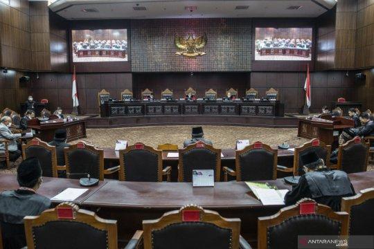 MK kabulkan penarikan uji materi Perppu Corona