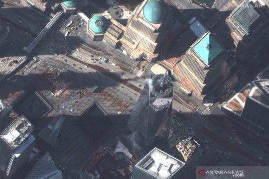 Melihat kota New York dari atas saat wabah COVID-19 terus berlanjut