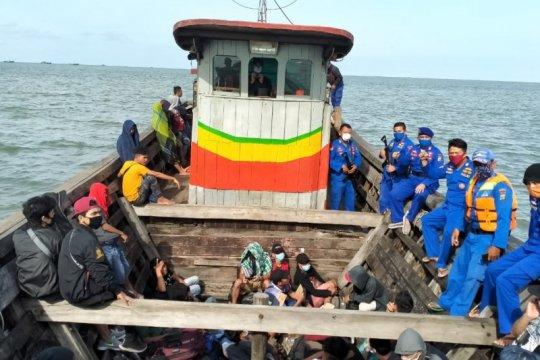 Polres Tanjung Balai selamatkan 13 TKI ilegal yang ditelantarkan