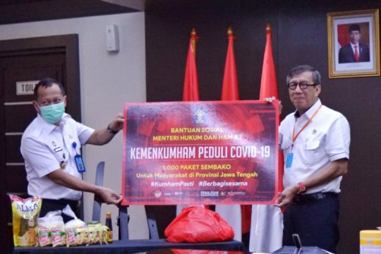 Menkumham salurkan 1.000 paket bansos buat warga Jawa Tengah