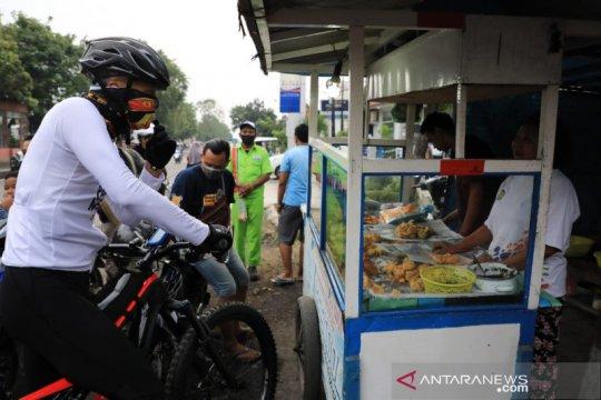 Ganjar minta Pemkot Semarang tegas terapkan PKM