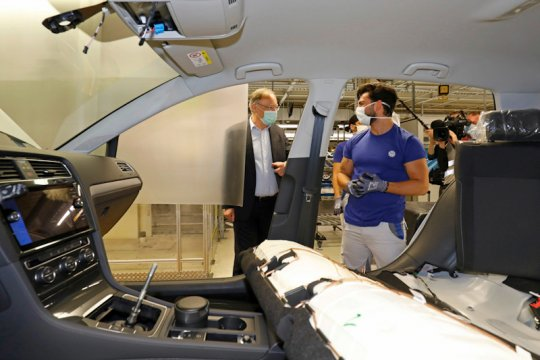VW resmi operasikan lagi pabrik Wolfsburg, 1.400 unit sepekan
