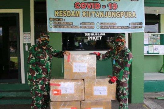 Puskes TNI beri bantuan Kesdam XII/Tpr alat kesehatan tangani COVID-19