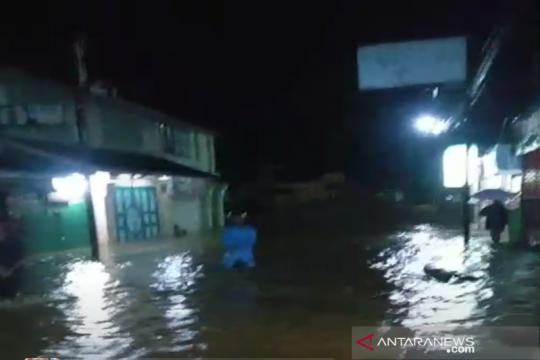 Banjir landa Pekan Kuala Langkat akibat dua sungai meluap