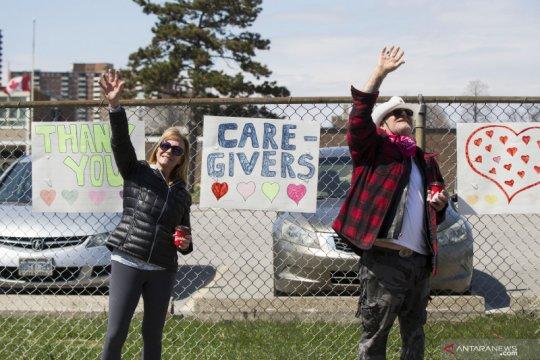 Dukungan untuk para petugas kesehatan di Toroto