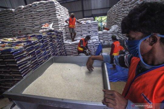 Bulog kembali salurkan bansos beras tahap dua di Jabodetabek