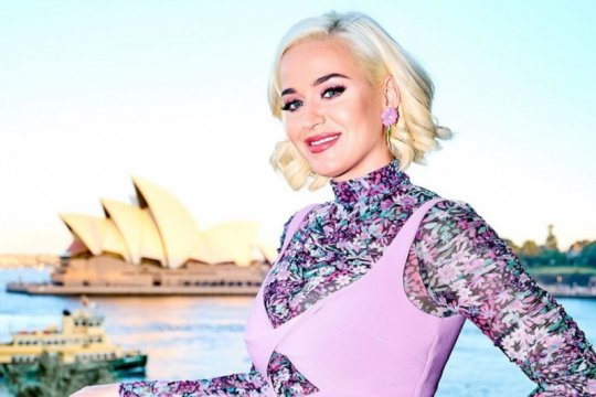 Hamil saat karantina, Katy Perry berusaha tidak ngidam