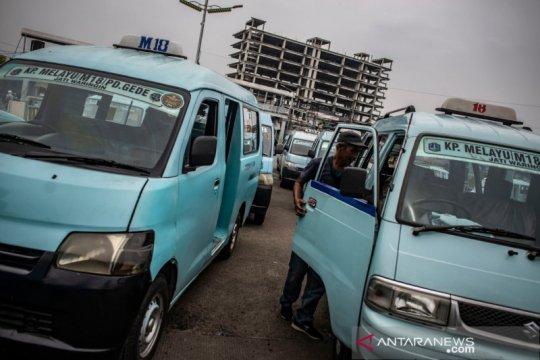Pembatasan jam operasional angkot di Jakarta