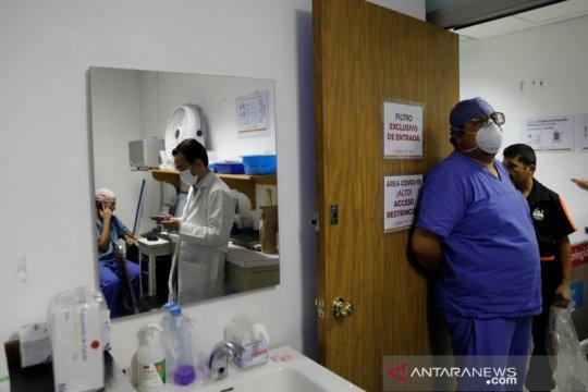 Dokter Meksiko dirawat di RS usai menerima vaksin COVID-19