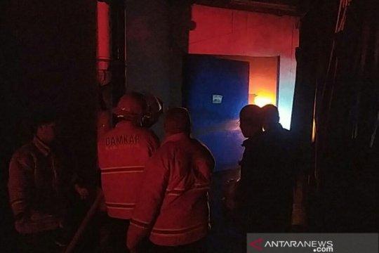 Pabrik boneka dan pakaian ekspor di Cianjur terbakar