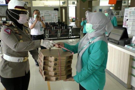 Aksi peduli Polres Malang kepada tenaga medis