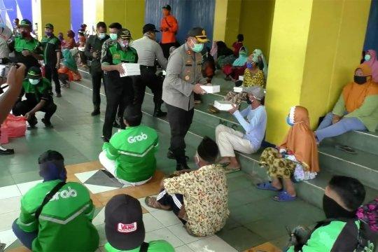 Derasnya aliran bantuan bagi warga Malang terdampak corona