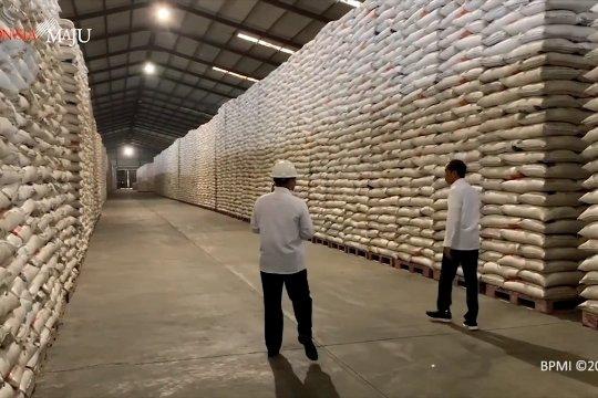 Jokowi minta menteri pastikan stok pangan aman selama ramadan