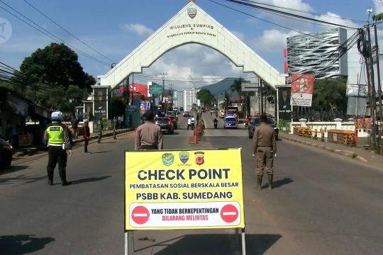 Ridwan Kamil sebut jumlah kendaraan berkurang pada PSBB Bandung Raya