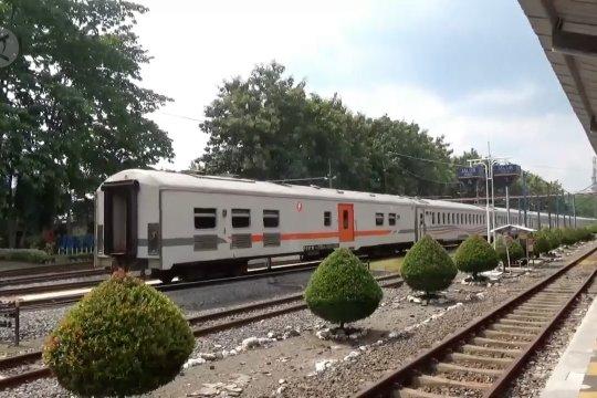 Daop 9 Jember hentikan semua kereta api penumpang
