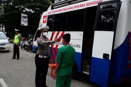 Polres Kendari modifikasi mobil SIM keliling jadi bus kesehatan keliling