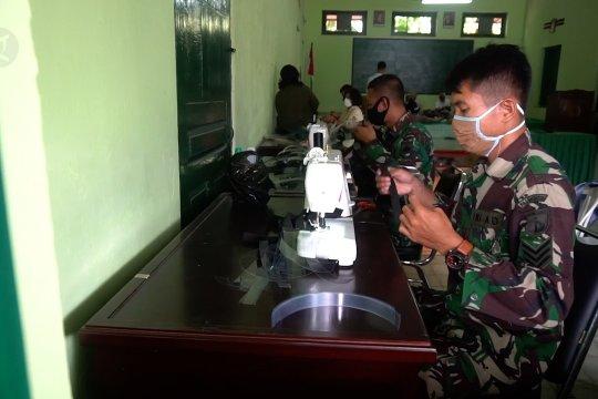 Prajurit TNI di Solo produksi pelindung wajah