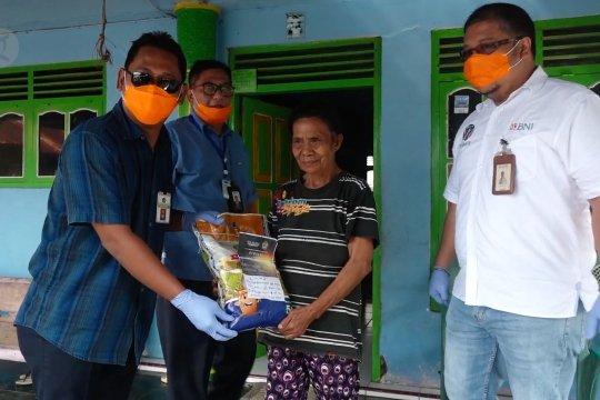 Ribuan paket sembako bagi masyarakat pesisir Ternate