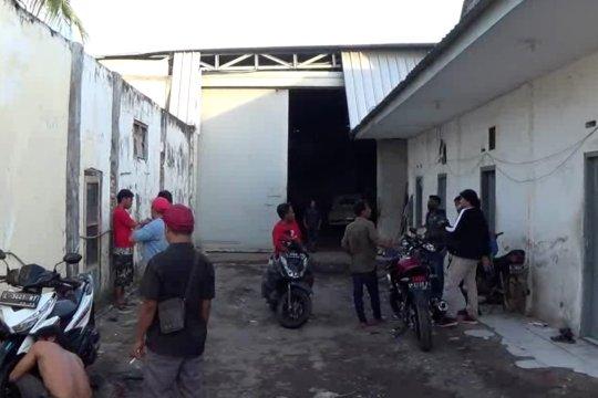 Densus 88 tangkap terduga kasus terorisme di Surabaya