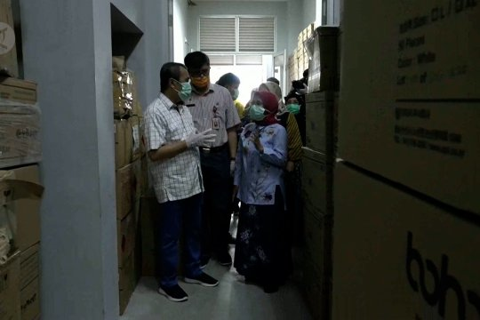 Pemprov Riau terima bantuan 8500 APD dan 4800 alat rapid test