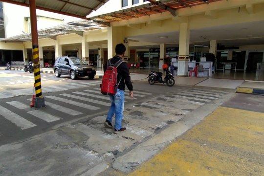 Suasana bandara SIM ketika penerbangan komersial dihentikan