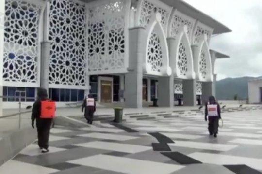 Jelang Ramadan, Brimob Polda Sultra disinfeksi 473 masjid di Kendari