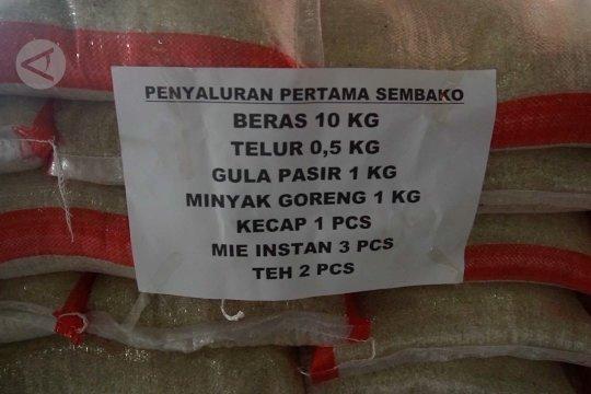 Pemkot Solo salurkan sembako bagi warga terdampak COVID-19
