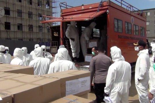 Ribuan APD dari Tiongkok tiba di Sultra