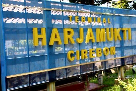 Imbas PSBB di terminal Harjamukti Cirebon