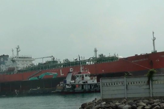 Kapal sandar ilegal, KSOP Banten ancam sanksi TUKS nakal