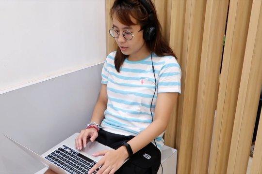 Tetap aktif kursus bahasa asing selama PSBB