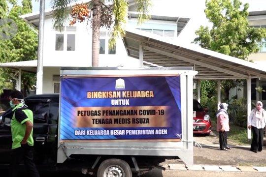 Bingkisan untuk keluarga tim medis dari Pemerintah Aceh