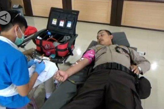 Stok darah menipis, personel Polres Pandeglangdonordarah
