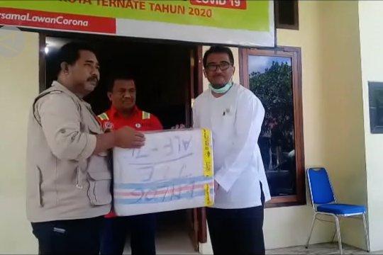 Sultan Tidore berikan bantuan APD ke Posko Satgas COVID-19
