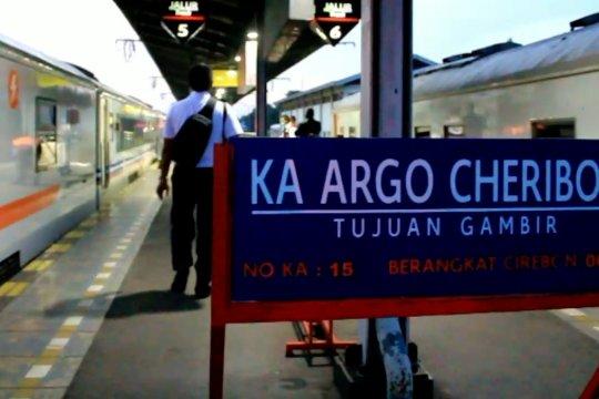Mulai 24 April, KA jarak jauh dan lokal Daop 1 Jakarta dihentikan