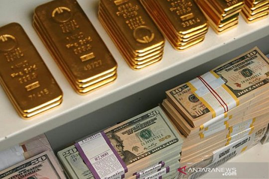 Harga emas jatuh 13,4 dolar, tertekan lonjakan obligasi dan greenback