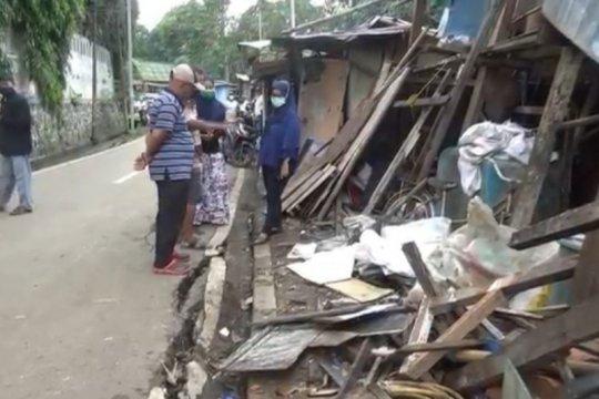 Jalan ambles di Kramat Jati segera diperbaiki