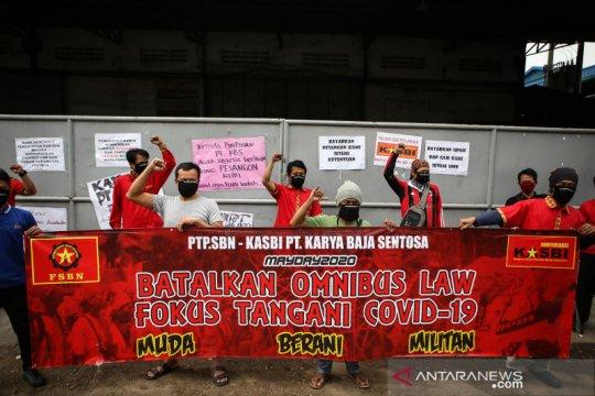 Aksi unjuk rasa memperingati hari buruh internasional