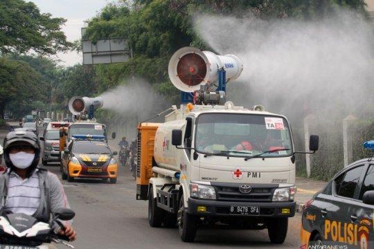 Penyemprotan disinfektan daerah penyangga ibukota