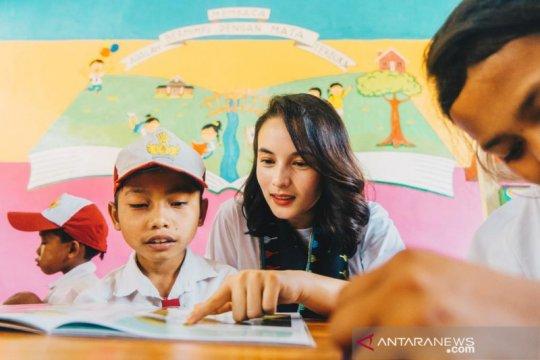 Chelsea Islan galang dana bantu belajar anak di Indonesia Timur