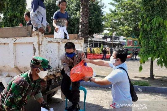 Pemkab Gowa distribusikan 50 ribu paket sembako bagi warga miskin
