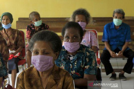 Pembagian bantuan sembako di Papua