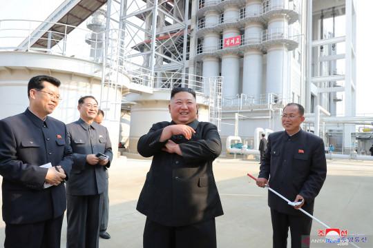 Intelijen Korsel: Tak ada tanda Kim Jong Un jalani operasi jantung