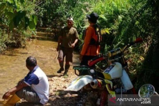 Tim Basarnas Kendari mencari kakek usia 100 tahun hilang di hutan