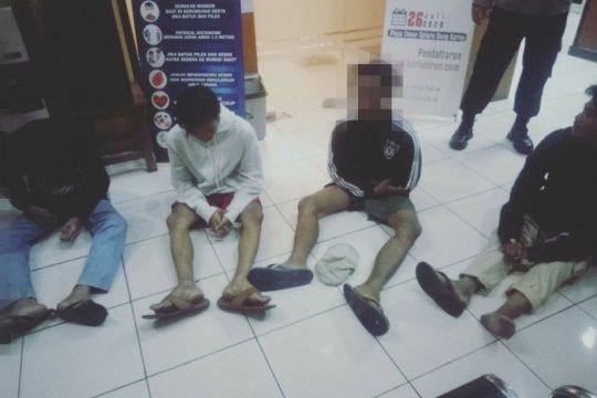 Polres Jakbar tangkap 4 pemuda berencana tawuran di Tanjung Duren