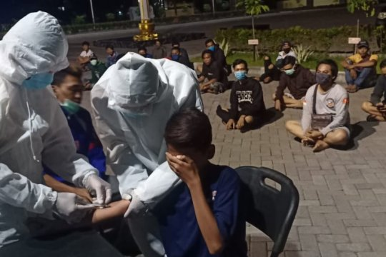 65 orang terjaring melanggar jam malam PSBB Sidoarjo